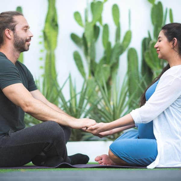 Cours de yoga en couple