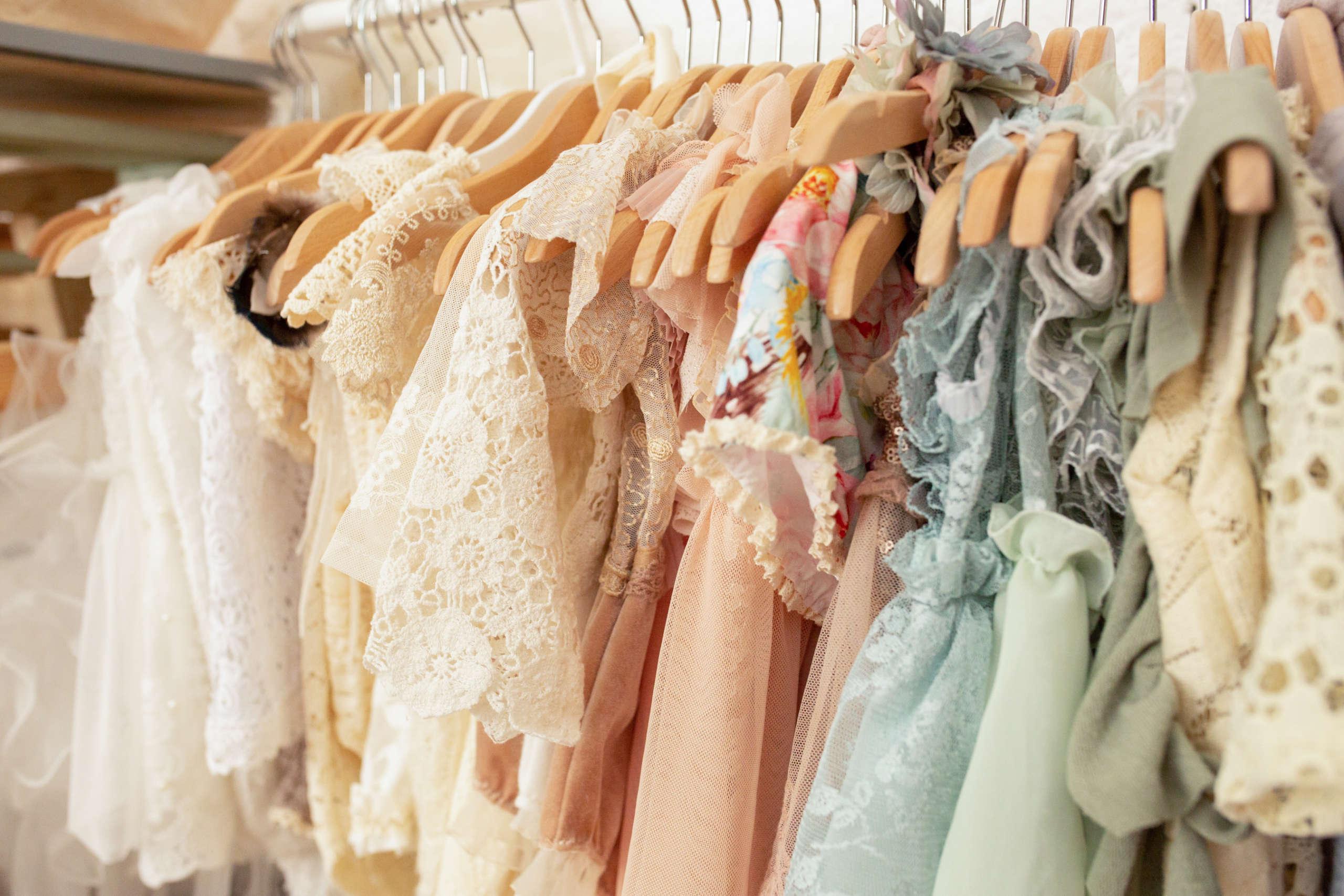 Vêtements bébé et enfants au studio